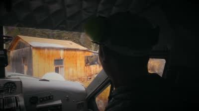 http://ocwebimages-a.akamaihd.net/Outdoor_Website/Outdoor_Thumbnails/3e/c5/3ec55ce1-a28b-4a90-bf1d-6ba85690c3d2/PlayboyMansionTeaser_wk1_400x224_00h.00m.07s.jpg