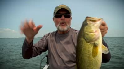 http://ocwebimages-a.akamaihd.net/Outdoor_Website/Outdoor_Thumbnails/ad/30/ad30cf3c-a709-404a-acec-5bbf4d69f6ed/Q2_wk13LFE_deepweedlargemouth_preview_400x224_00h.00m.07s.jpg